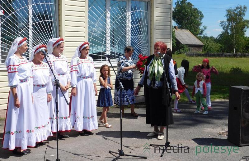 Сельчане приглашают участников концерта приехать снова