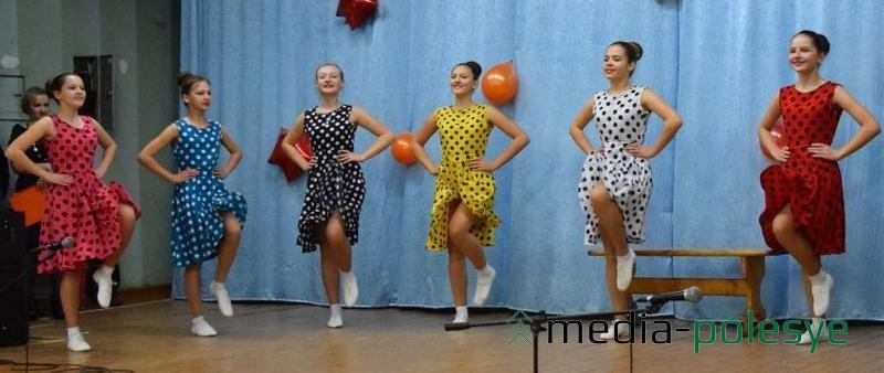 Танец «Хорошие девчата» - один из новых танцев речицких танцоров