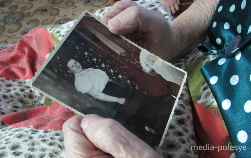 Бабушка Варя в молодости