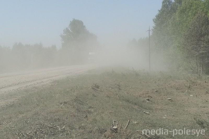"""В середине мая откроют новую объездную дорогу вместо """"треснувшего"""" путепровода на М10"""
