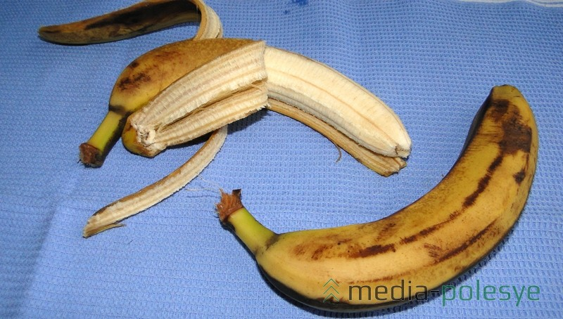 Переспелые бананы легко разминать вилкой