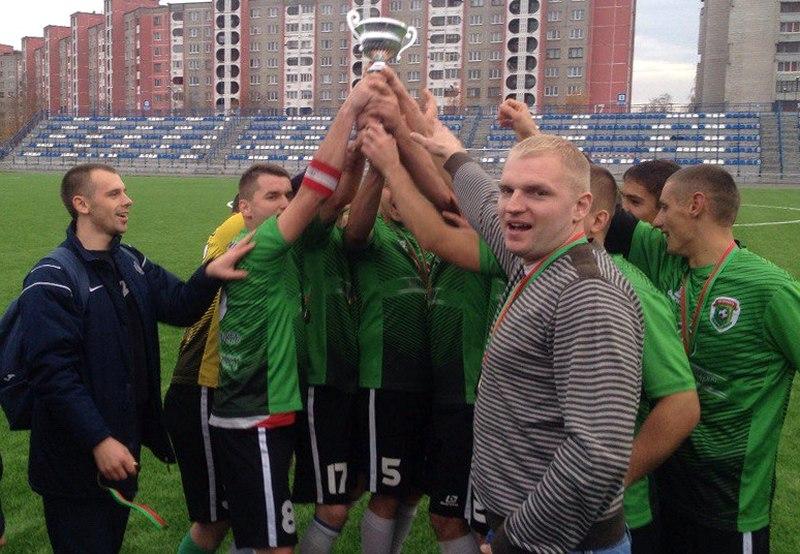 Кубок в руках победителей