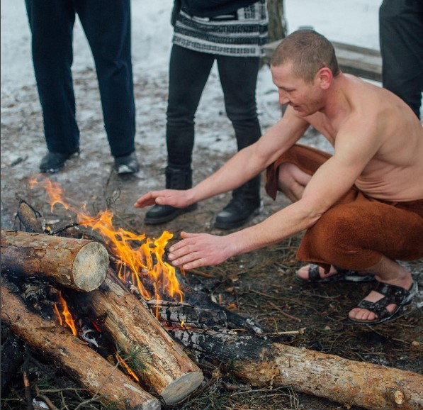 медиаполесье #mediapolesye #christianing #baptism #immersione #water #wintertime #peoples