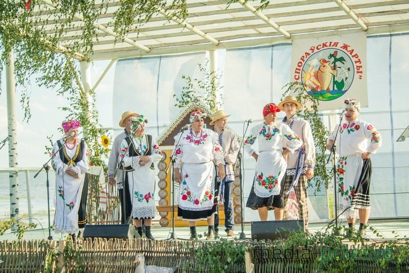 Выступления участников народного клуба любителей юмора и песни «Моства» Мочульского СДФ не оставило равнодушным никого