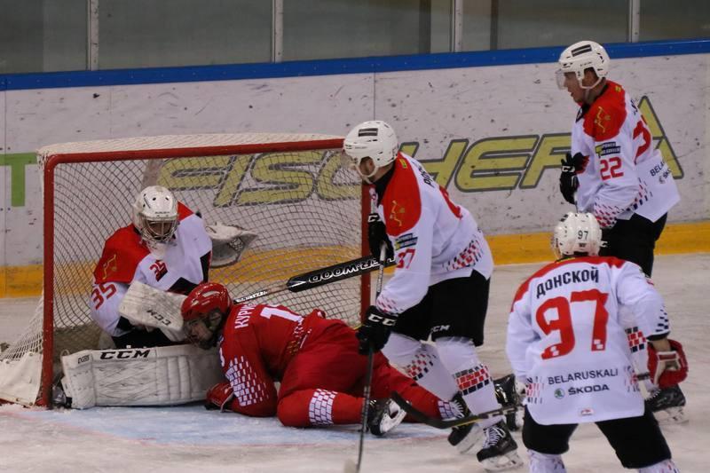 U-20 не удалось поразить ворота Артёма Шпилёва. Фото hockey.by