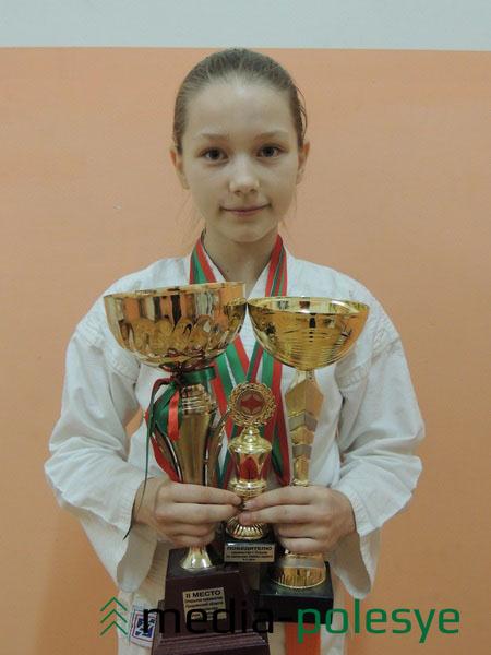 Воспитанница столинской школы единоборств «Evolution» Мария Бабич