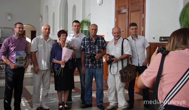 Автор книги Татьяна Хвагина и фотографы, которые предоставили ей свои работы