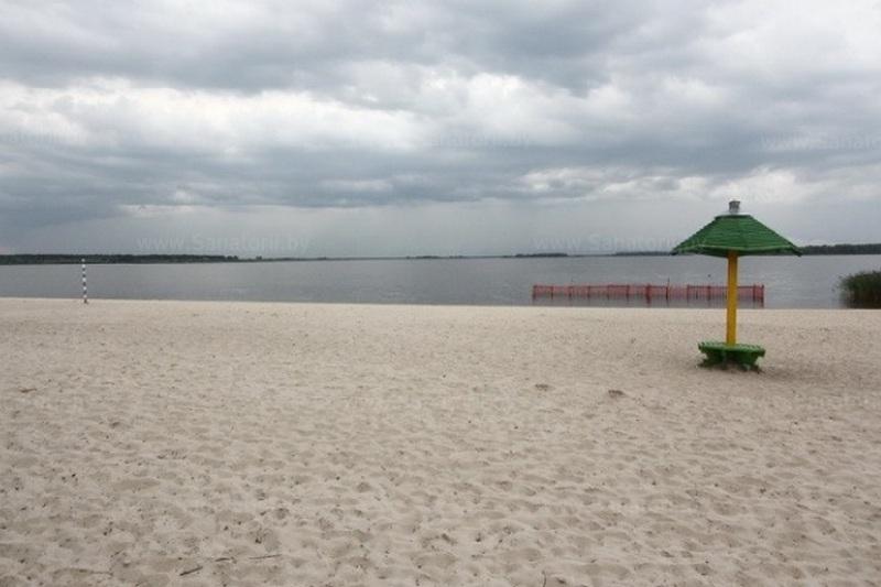 Пляж на Погостском водохранилище предложили местные власти для установки пандуса. Фото с сайта sanatorii.by