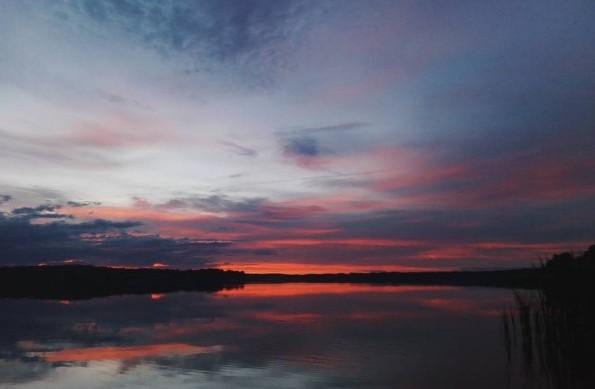 #закат #озеро #небо #облака #горизонт #медиаполесье