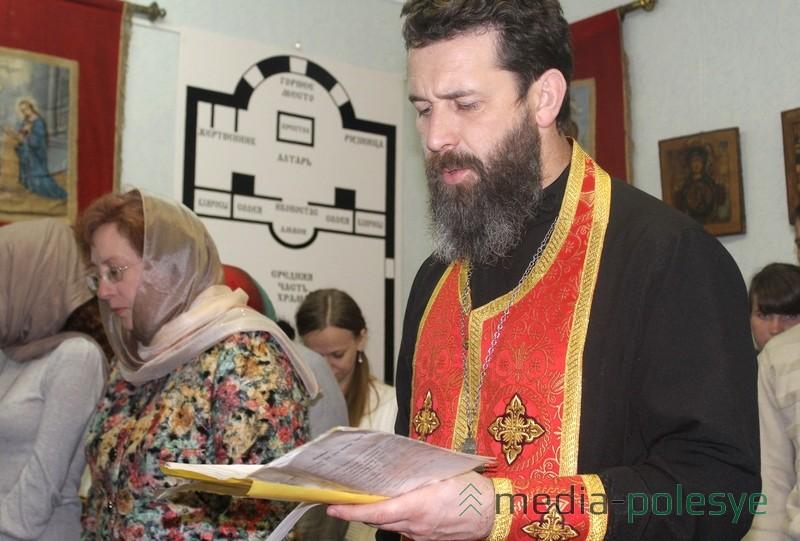 Руководитель социального отдела Пинской епархии на открытии выставки в Столинском районном краеведческом музее