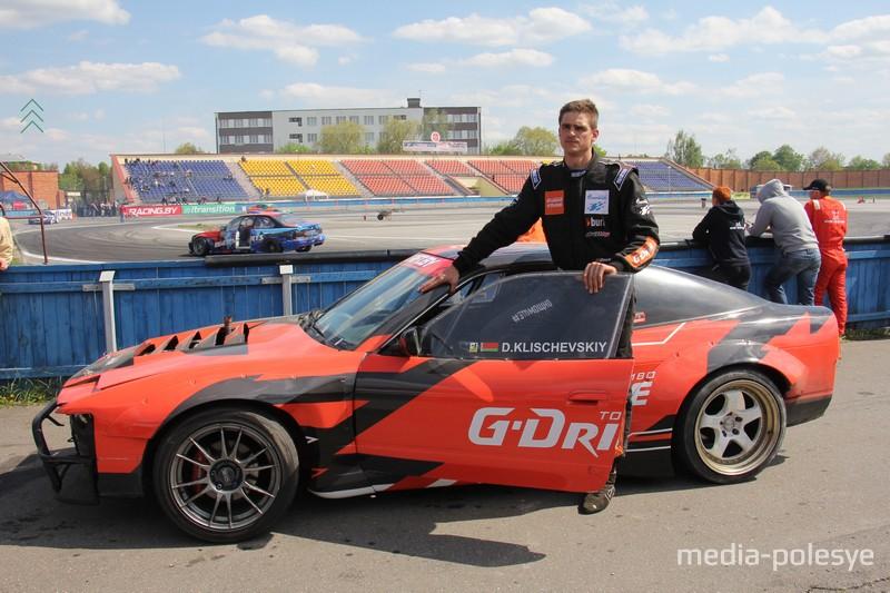 Базой для гоночного автомобиля Дениса стал Nissan S13, правда от него остался лишь только корпус, да и многие его части тоже заменены