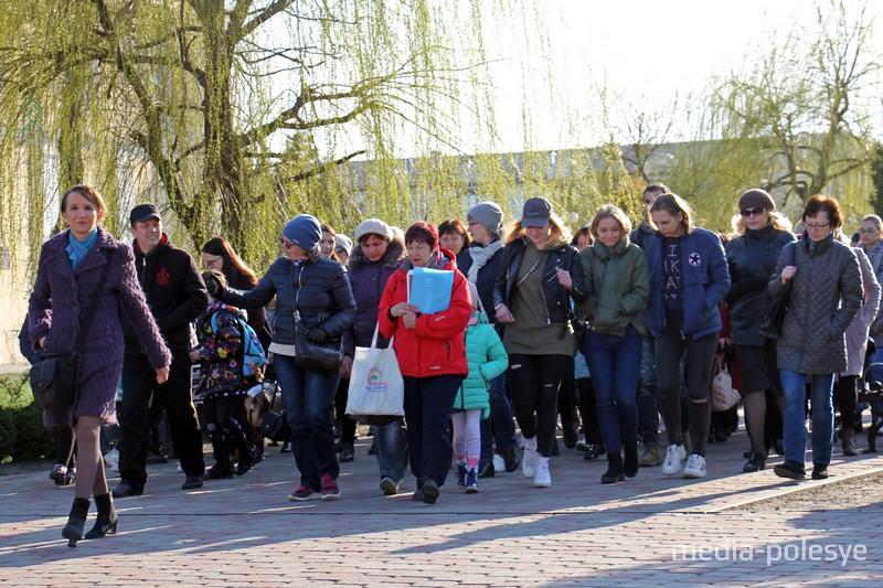 Экскурсия пешеходная, за время её проведения надо посетить несколько локаций