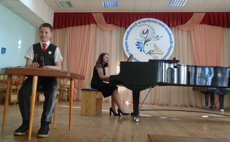 «Регтайм Стива Джоплина» в исполнении Алексея Марцинкевича (на сцене он с концертмейстером Татьяной Колешко) покорил публику