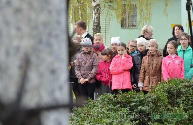 Школьникам рассказывают, что немцы создавали специальные детские лагеря смерти