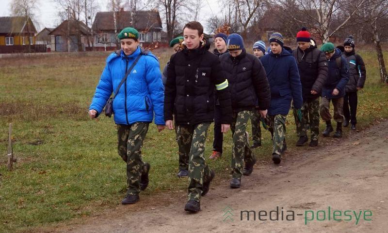 Отряд Юных друзей пограничников, так же прибыл из Пинска