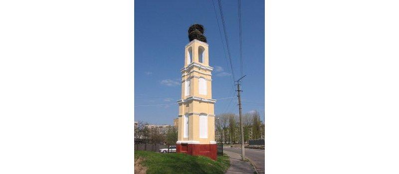 Такой каплица была в 2005 году с двухъярусным гнездом аистов. Андрей Дыбовский с globus.tut.by