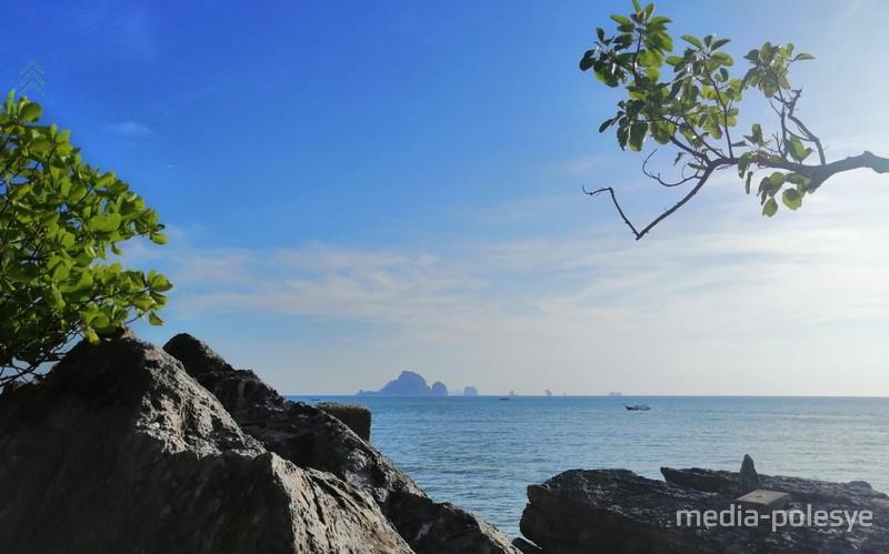 С берега открывается вид на Андаманское море