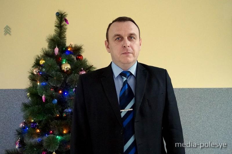 Дмитрий Лира