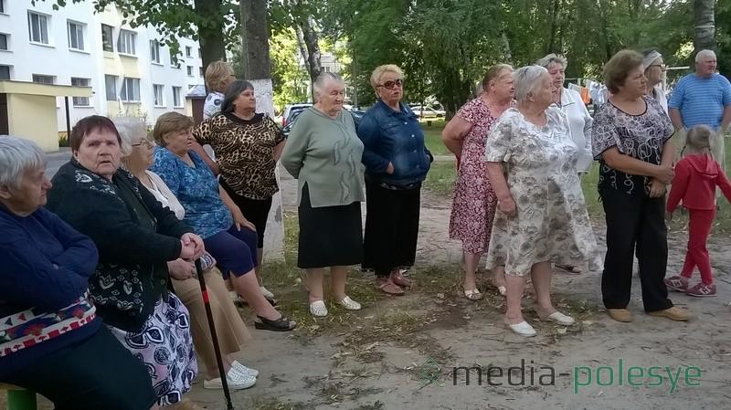 На собрание пришли в основном женщины-пенсионерки
