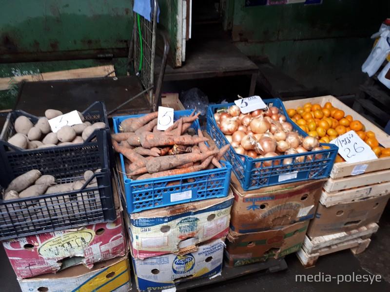 Картофель, морковь, свёкла на Украине несколько дороже