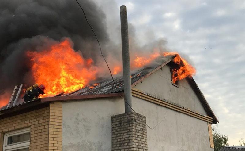 В центре Пинска сгорело здание райпо и несколько сараев