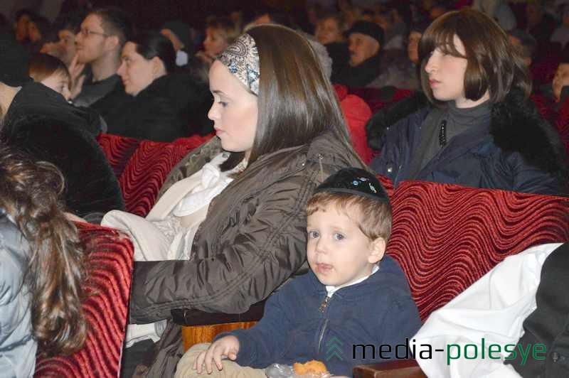 Женщины в ортодоксальных еврейских семьях носят парики