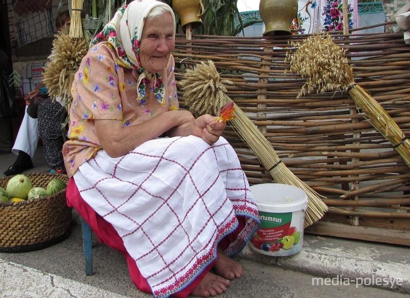 Разносолы, песни, национальные блюда и изделия ремесленников – всё из Мотоля