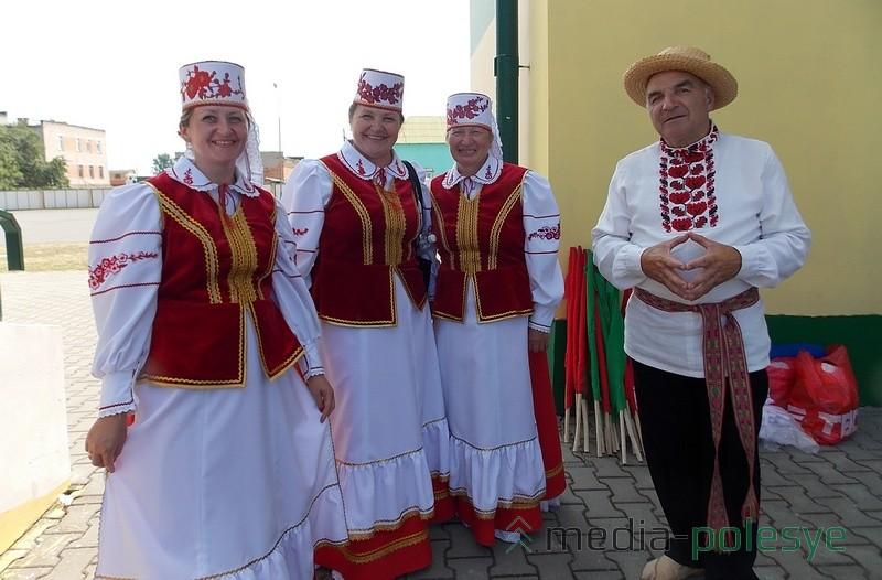 Не теряют оптимизма артисты из Дятловичского дома культуры. Независимо от количества публики они блестяще исполняют свои номера