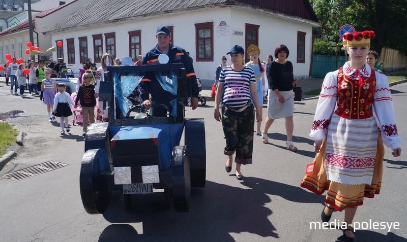Коляска-трактор, говорят, что выпущена на МТЗ