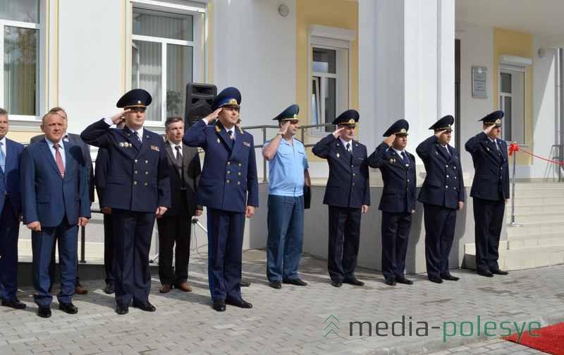 Звучит Гимн Республики Беларусь