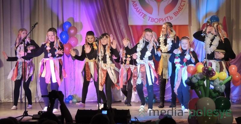 Танец =Чунга-чанга= от Столинского районного центра коррекционно-развивающего обучения и реабилитации