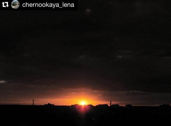 #sunrise_sunsets_aroundworld #darkness #sun #instasun #colorsplash #coloursofnature #golden #summer #naturelovers #nature #enjoyeverymoment #beautyful #amazing #беларусь #закат #лето