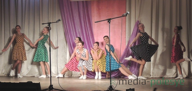 Танец «Хорошие девчата»