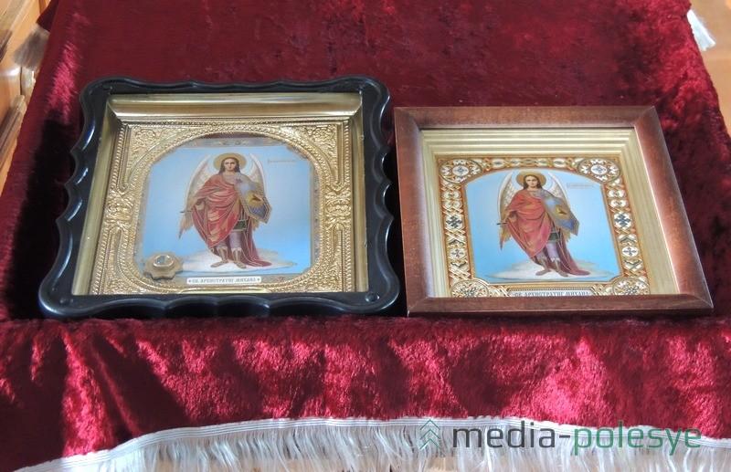 Иконы подарены пограничникам по решению прихожан речицкого храма