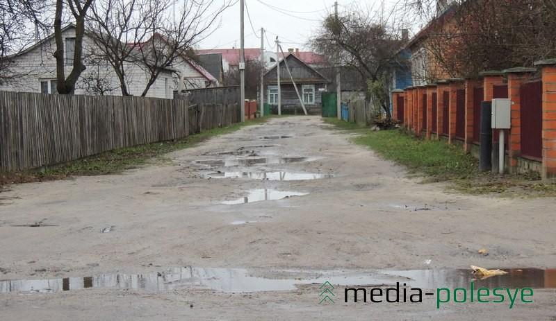 А это примыкающий к улице Карла Маркса переулок Крупской