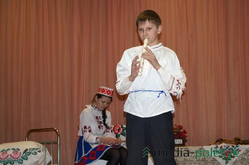 """Прысутныя з захапленнем слухалі Аляксея Марцінкевіча з 7 """"Б"""""""