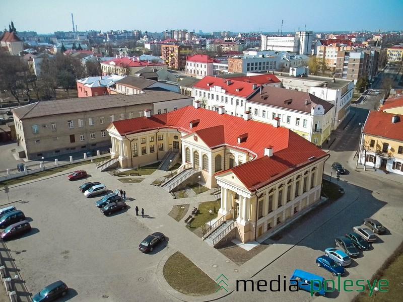Бывший Дворец Бутримовича – ныне Дворец бракосочетаний