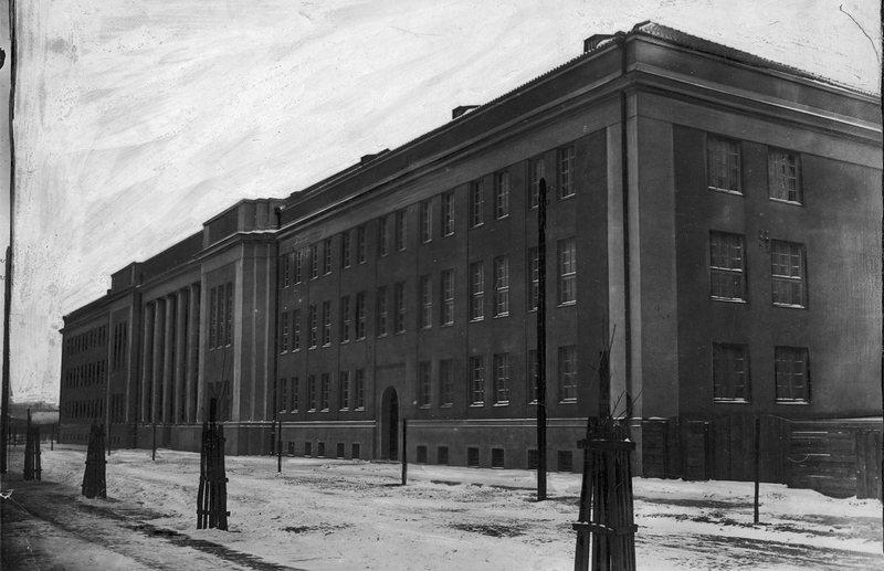 Антиутопическое здание окружного суда, 1931
