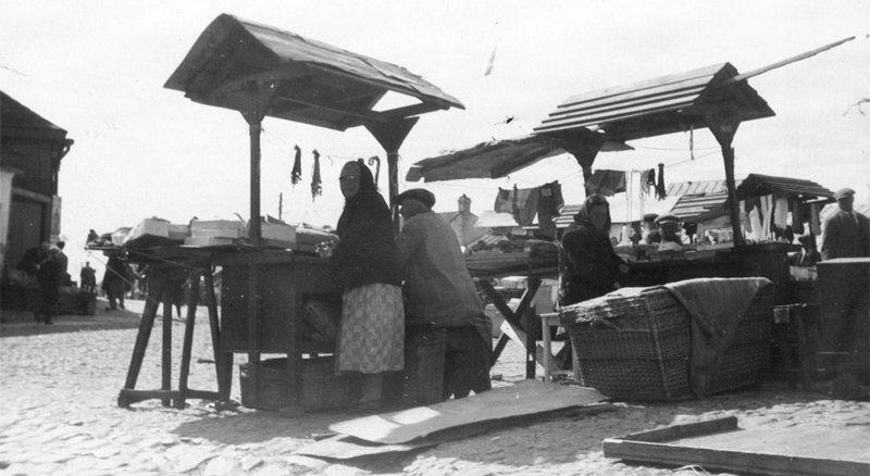 Киоски на рынке, 1932