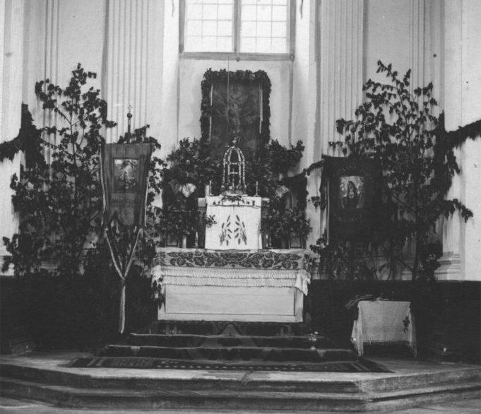 Алтарь в одном из костёлов, 1918–1939