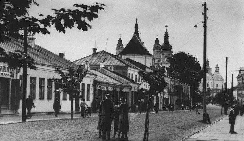 Улица Тадеуша Костюшко, 1919–1937. Обратите внимание на обработку фотографии. Не всегда фотографии делались простым нажатием на экран.