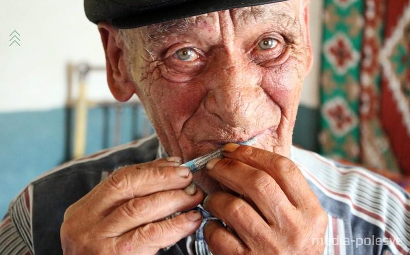 Сельский 87-летний скрипач: «Если спросите, где живет «Хата-лавка», всякий дорогу укажет»