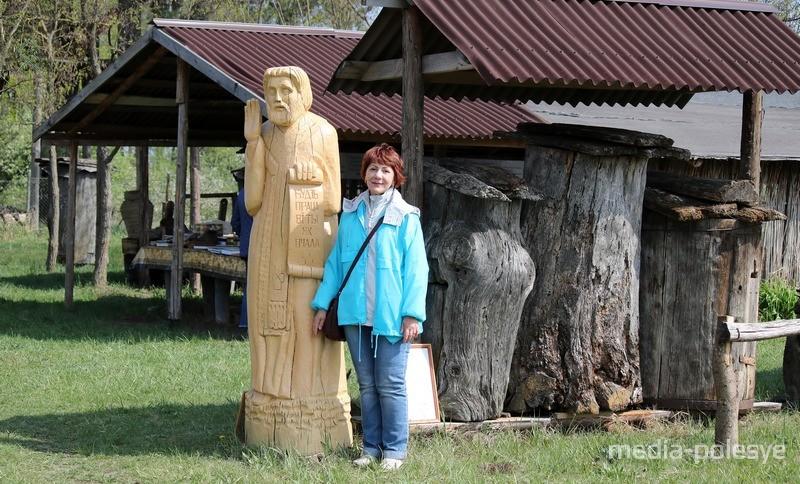 Валентина Серова. Фото на память о посещении музея бортничества