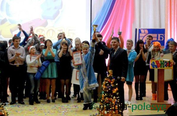 Призы победителям вручил Анатолий Захаркевич