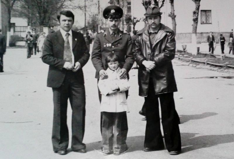 Михаил Михайлович с братьями и дочерью