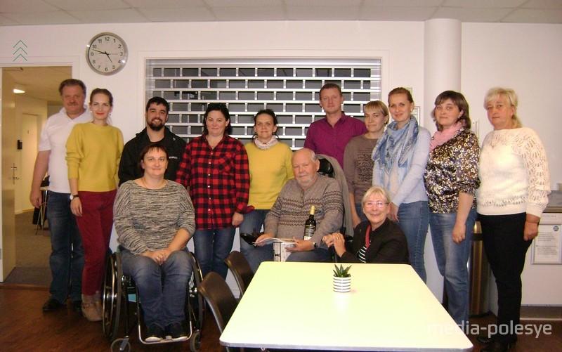 Снимок на память о встрече с председателем общества инвалидов в Борнхольмском крае
