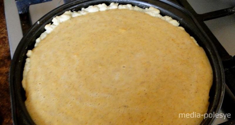 Выпекаем пирог 50–55 минут при 180 градусах