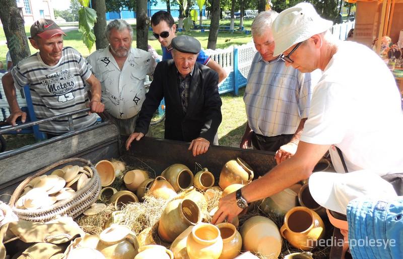 Ганчар Макар Шэлест (у цэнтры)