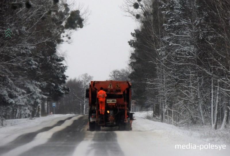 Чистка автодороги направлением Пинск – Столин