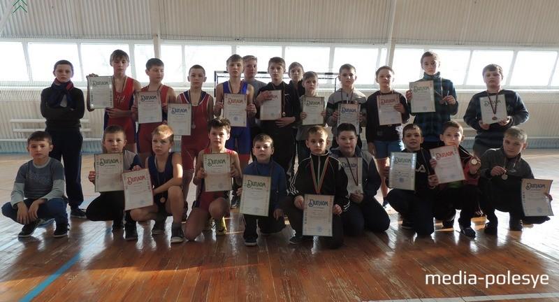 Участники первенства, которые представляли спортивные школы Столинщины